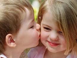 Nụ hôn trên chuyến tàu.